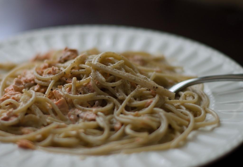 Quick and Easy Salmon Cream Pasta